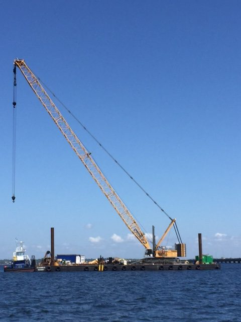 Crane mobilized in Pensacola Bay